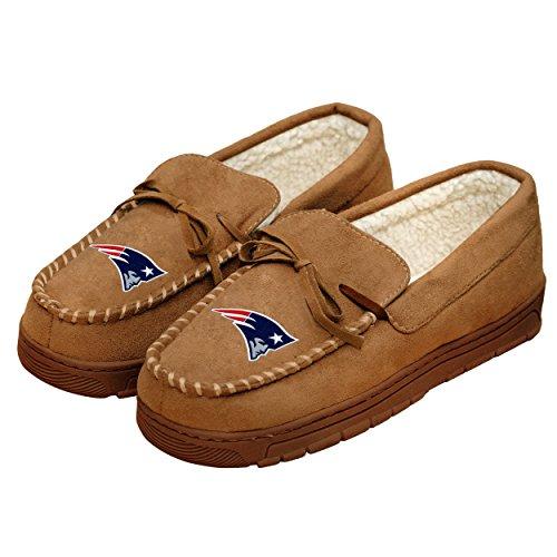 New England Patriots NFL Mens Team Logo Moccasin Slippers - L